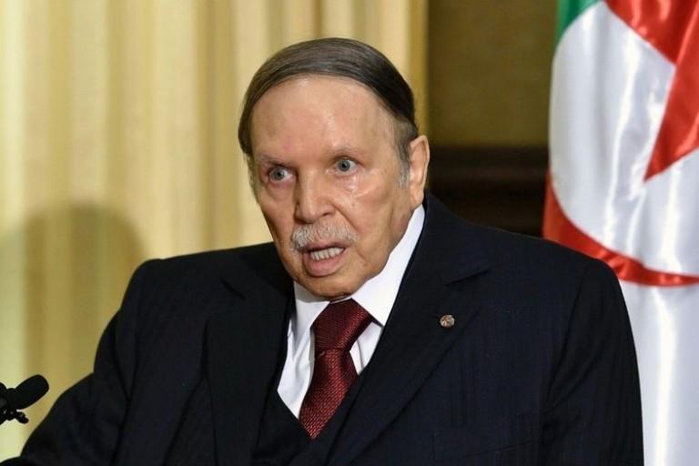 Abdelaziz Bouteflika quiterra le pouvoir avant le 28 avril