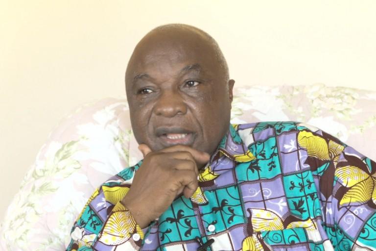 Assoa Adou face à la presse