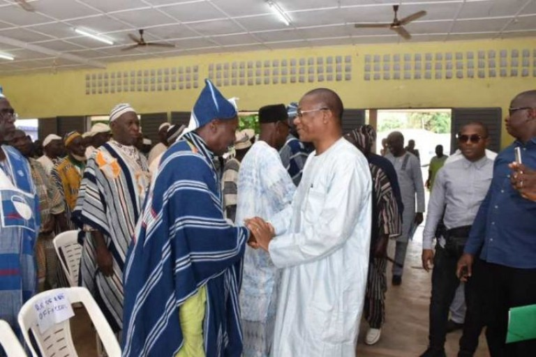 Bruno Koné en visite dans la Bagoué