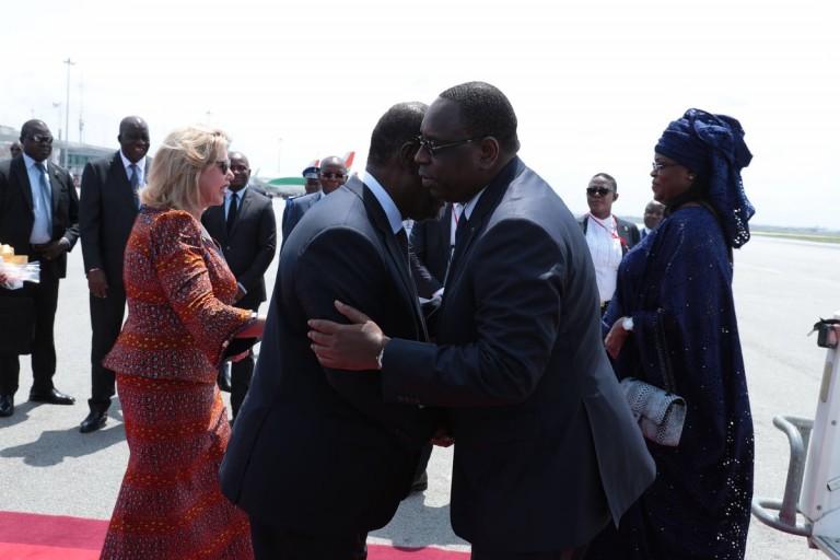 Macky Sall accueilli par Alassane Ouattara