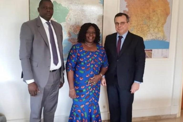 La présidente de LIDER en compagnie de l'ambassadeur de Belgique