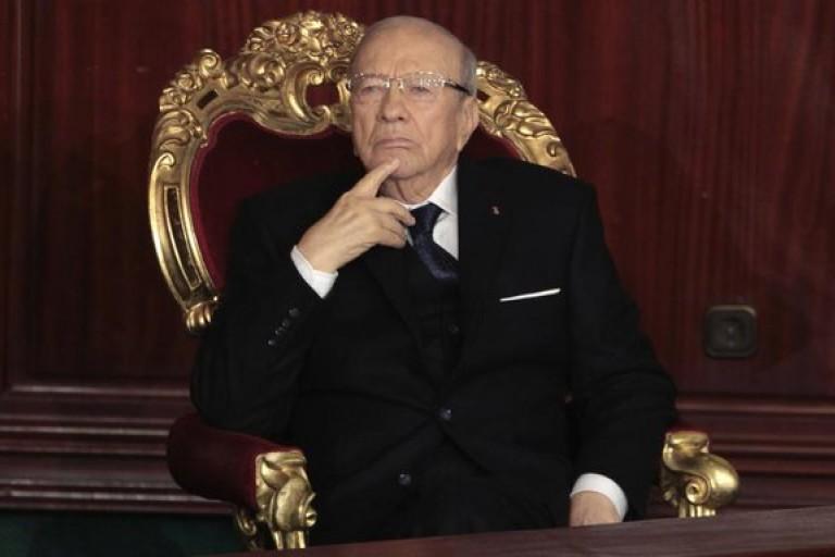Les Tunisiens pleurent la veuve du chef de l'Etat.