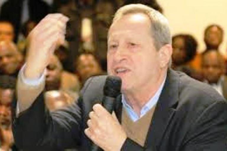 Guy Labertit chante pour Gbagbo