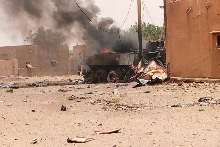Au Mali, le camp français de Gao attaqué