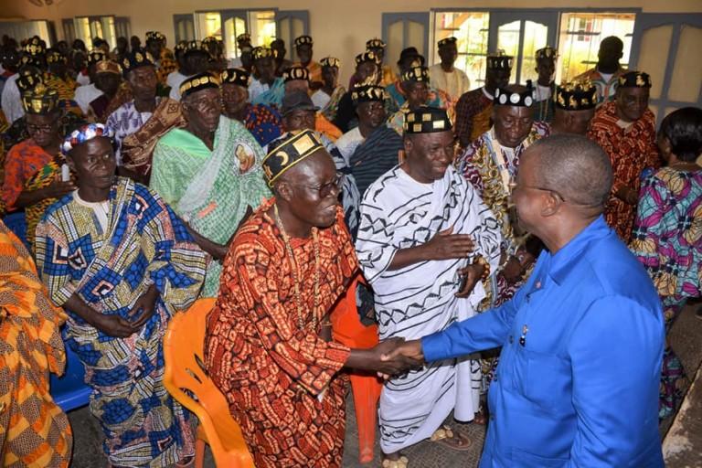 Ahoussou Jeannot et les chefs baoulé de Bocanda