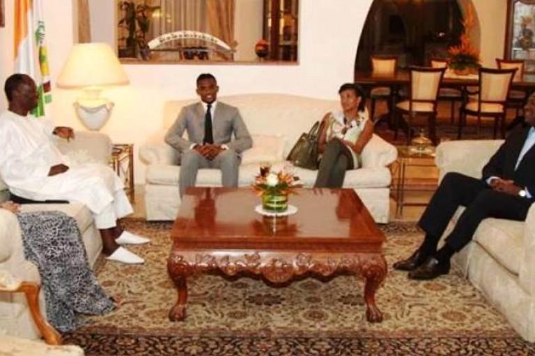 Visite de Samuel Eto'o Fils chhez Alassane Ouattara
