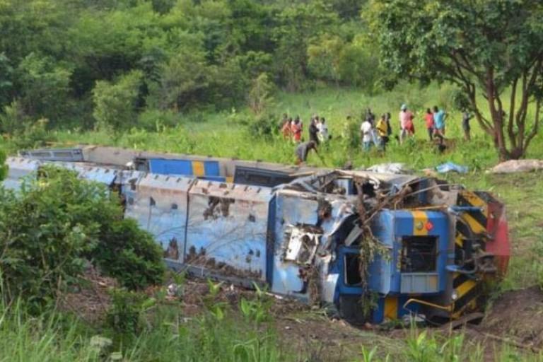 Un train déraille en RDC et fait 50 morts