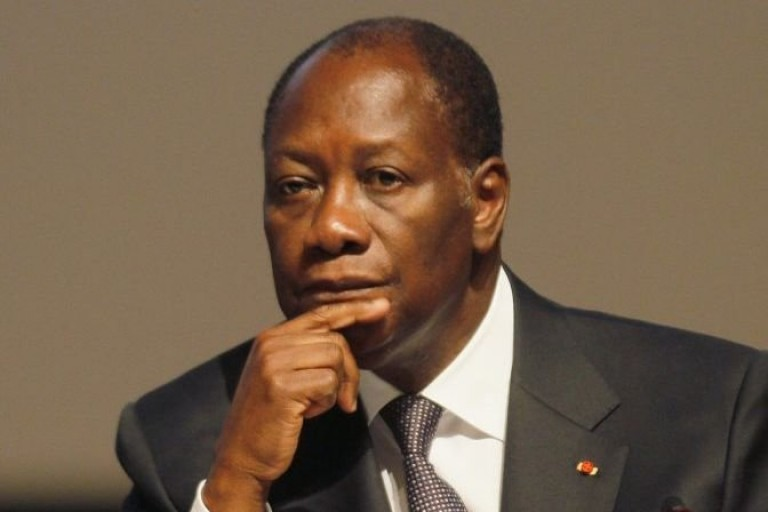 Alassane Ouattara pleure les soldats morts au Mali