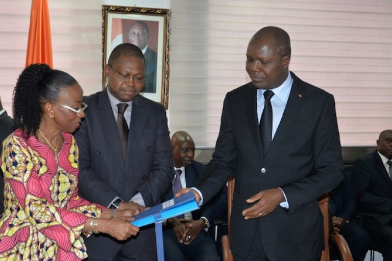 Passation de charges entre Bakayoko Ly-Ramata et Albert Mabri Toikeusse