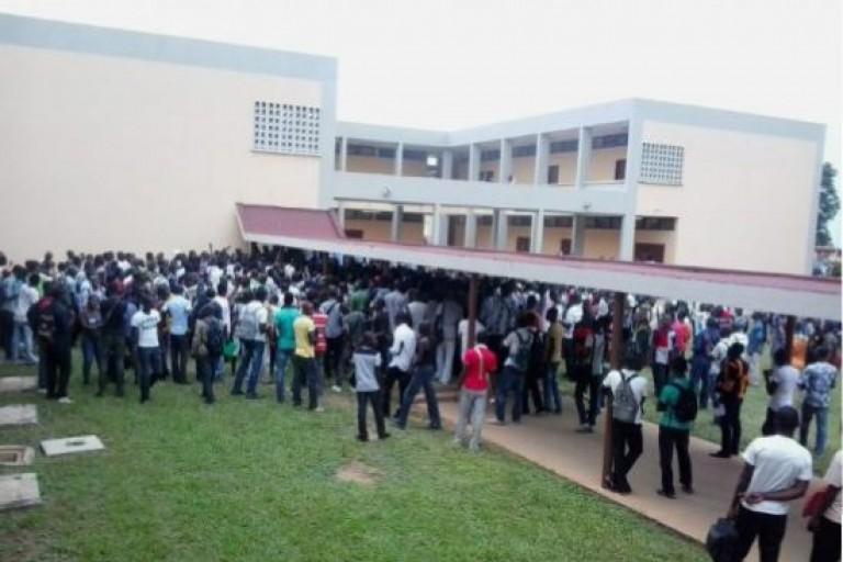 Université de Cocody : Plus de 10 000 étudiants réclament leur bourse
