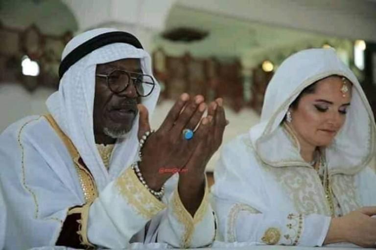 Alpha Blondy s'est marié ce jeudi à la Mosquée (vidéo)