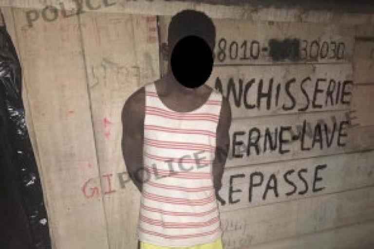 Abobo : Surpris en plein vol, un jeune tente d'endormir les policiers