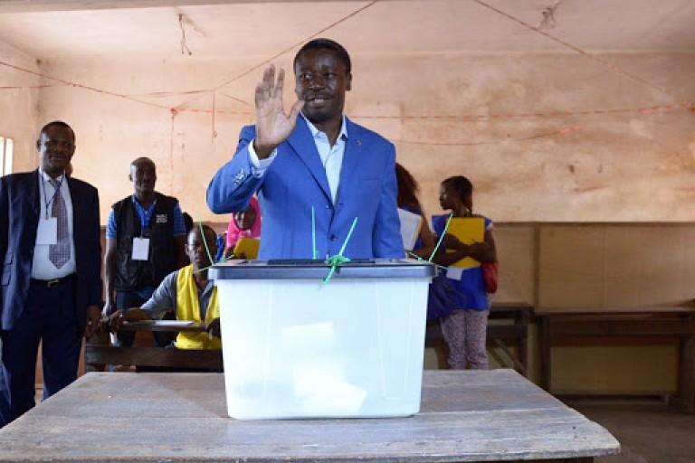Présidentielle: Faure déclaré élu, Agbéyomé se proclame président