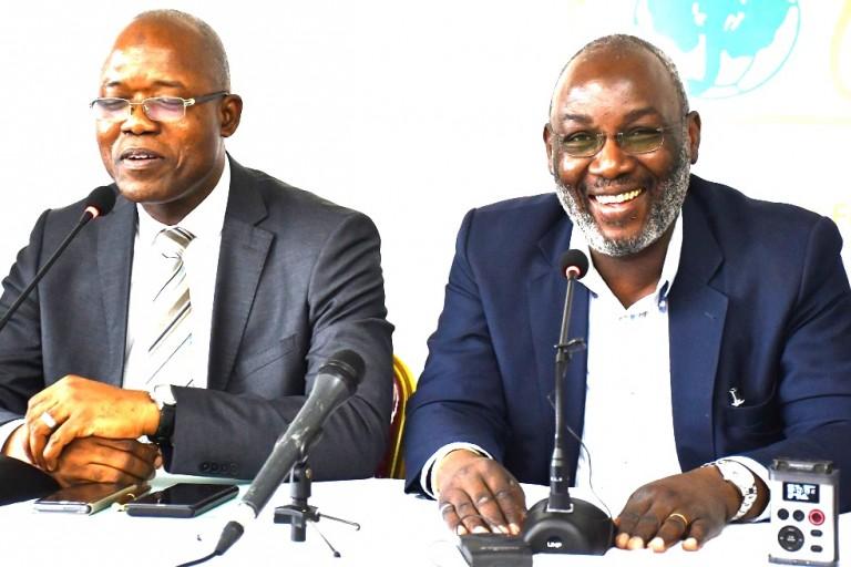 Sidy Diallo signe une convention avec la RTI