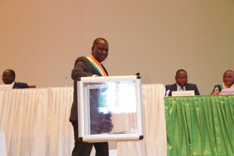 Modification de la Constitution : Les Parlementaire RHDP donnent leur feu vert à Ouattara