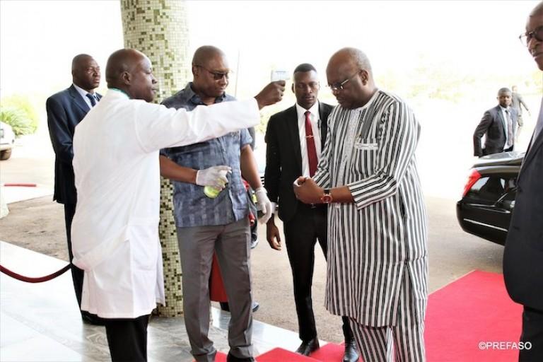 Roch Kaboré, président du Faso, se fait dépisté pour le Coronavirus.