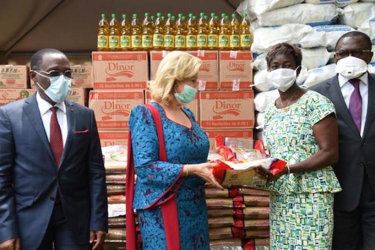 Covid-19 : Dominique Ouattara fait des dons