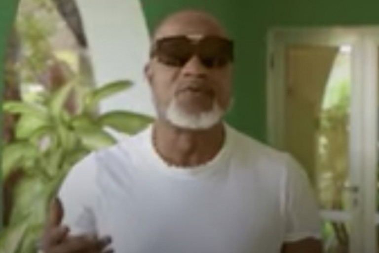Koffi Olomidé chante Coronavirus