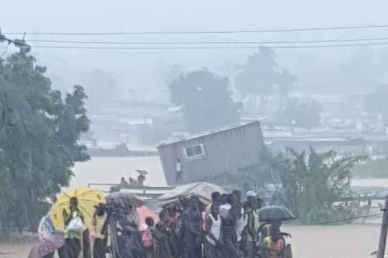 Après l'éboulement meurtrier d'Anyama, Abidjan sous les eaux