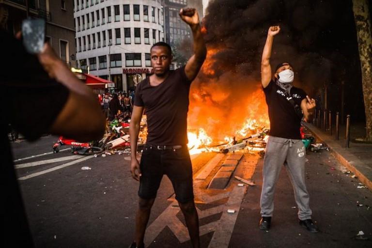 Adama Traoré: nouvelle expertise et grande manifestation à Paris, avec quelques incidents