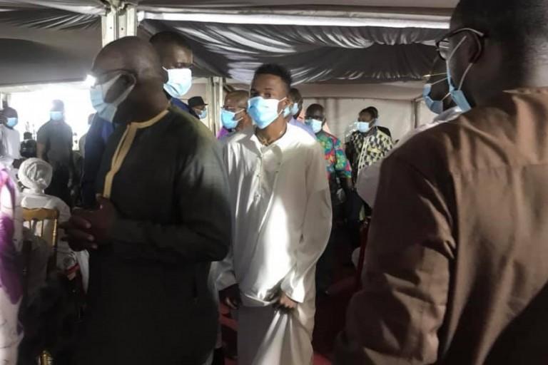 Debordo Leekunfa en pleurs chez Gon Coulibaly: