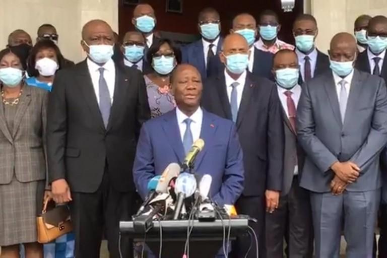Alassane Ouattara après le dépôt de son dossier de candidature