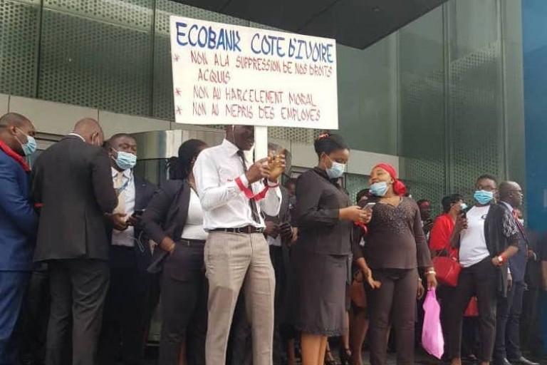 Grosse menace sur ECOBANK : Les employés en grève