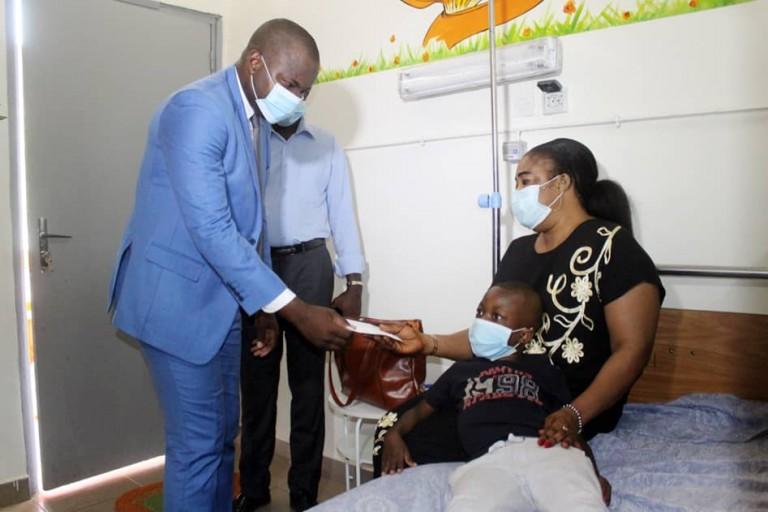 Le Premier ministre Hamed Bakayoko au secours de 3 malades