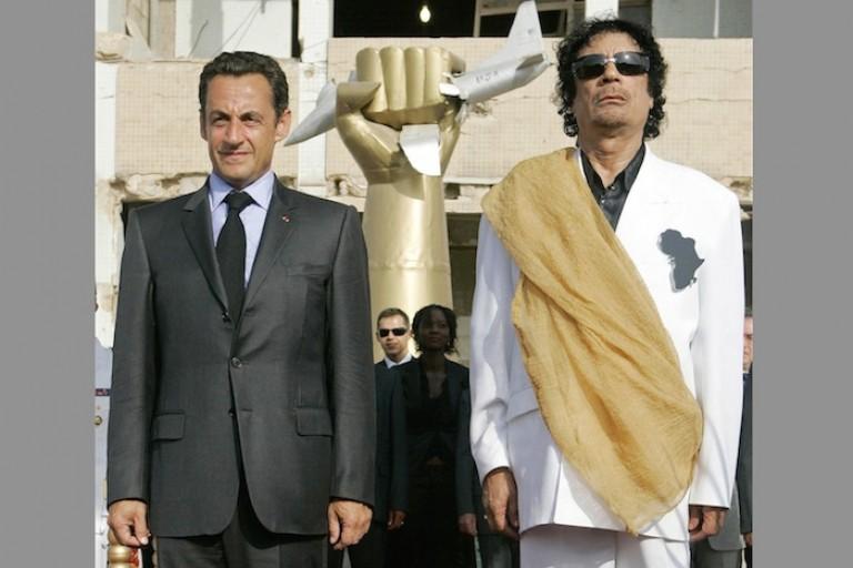 Nicolas Sarkozy et Mouammar Khadafi