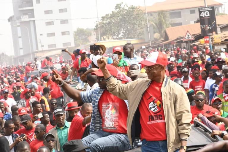 Cellou Dalein Diallo et ses partisans en Guinée