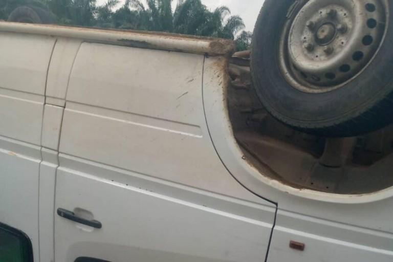 Alépé : Un car de transport plonge dans un ravin, plusieurs blessés