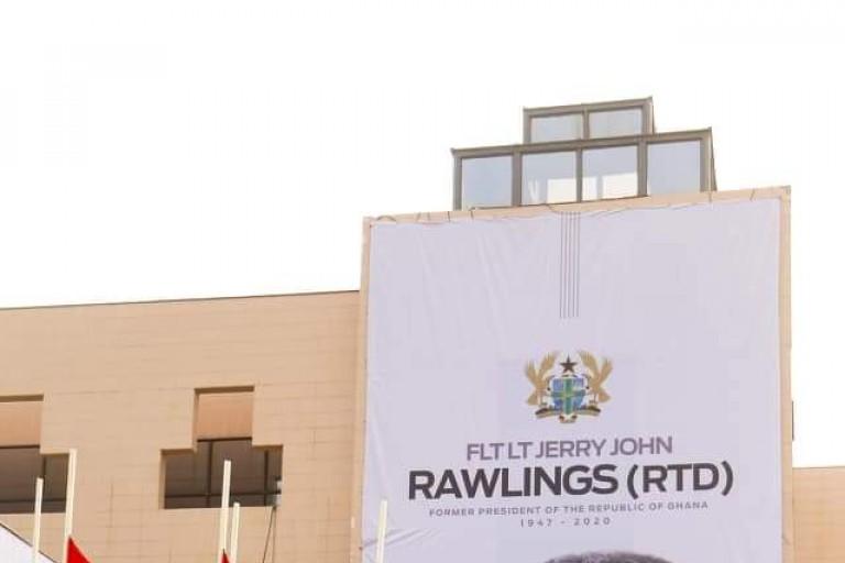 John Jerry Rawlings repose au cimetière militaire d'Accra