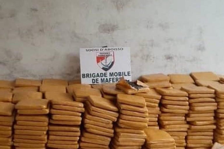 Les douanes ivoiriennes saisissent plus d'une tonne de cannabis