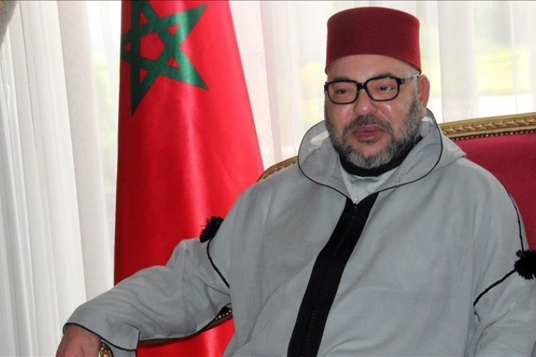 Le roi Mohammed VI reçoit une injection du vaccin anti-covid