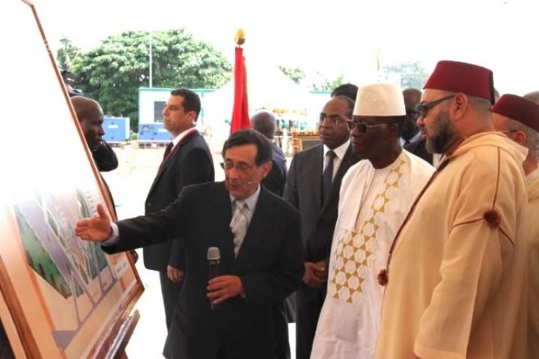 Alassane Ouattara et le roi du  Maroc lors du lancement des travaux de la Mosquée Mohammed VI