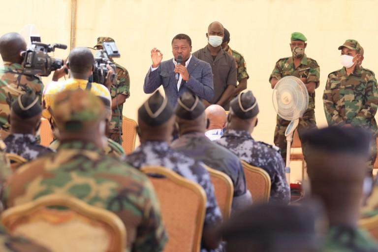 Togo : Le président Faure Gnassingbé échange avec l'armée