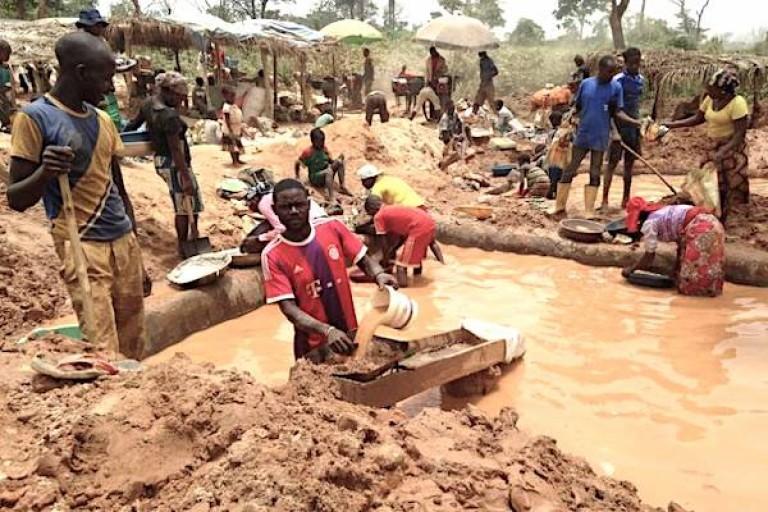 trafic illicite de l'or en Afrique: 4 milliards de dollars d'or aux mains des groupes armés