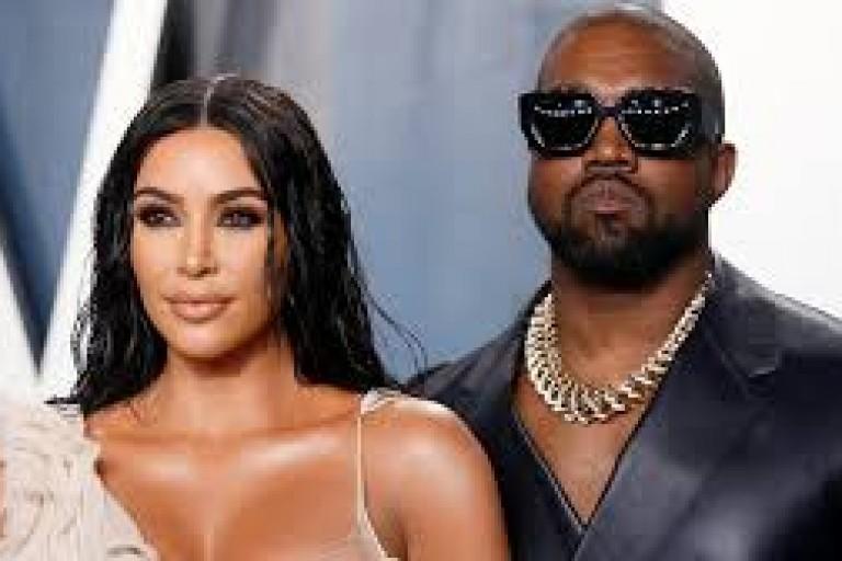 Célibataire, Kim Kardashian reçoit un vibromasseur d'une star intime