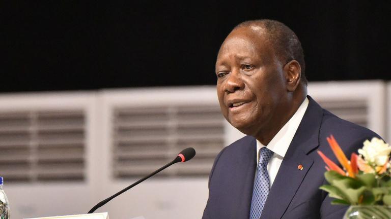 En colère, Alassane Ouattara interdit l'usage des sirènes à ses ministres