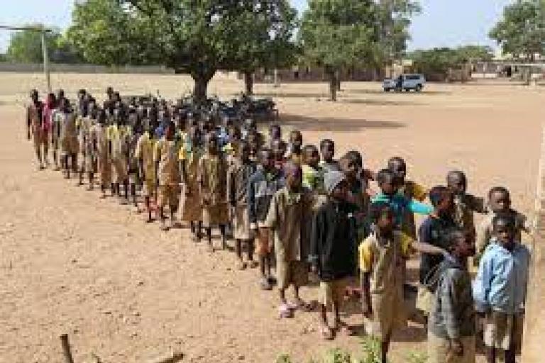 Bénin : Un directeur d'école et son maitre de cantine accusés de malversation, placés en garde à vue