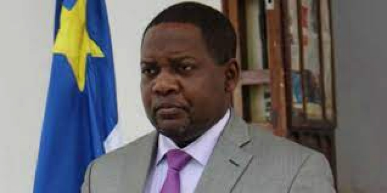 Firmin Ngrebada, Premier ministre centrafricain