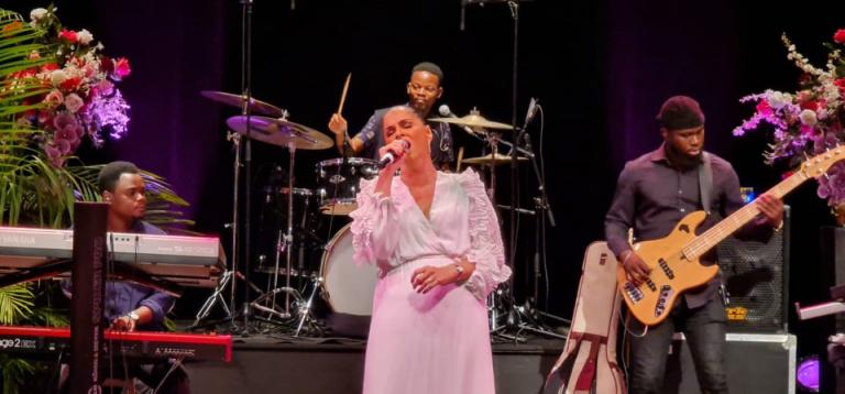 Sofia MESTARI fait vibrer Abidjan