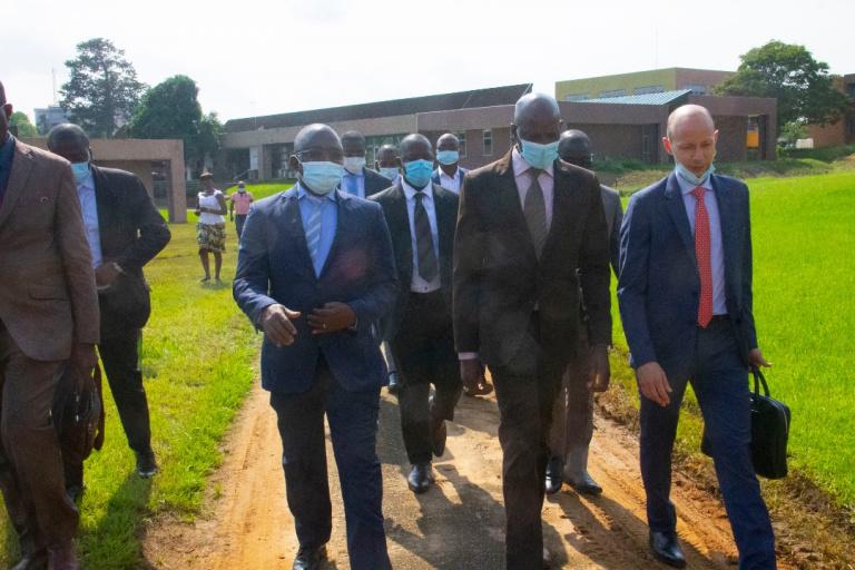 Le ministre Adama Diawara et une délégation de l' AFD ont visité les principales installations du Pôle Scientifique et d'Innovation de l'Université Félix Houphouët-Boigny, sis à Bingerville