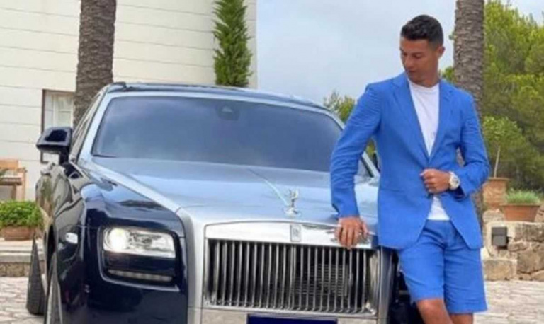 Cristiano Ronaldo - Rolls Royce Phantom