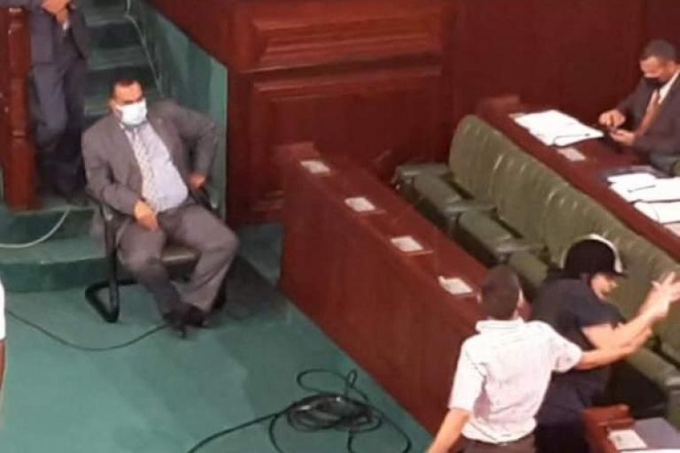 Tunisie : la députée Abir Moussi tabassée à l'Assemblée nationale