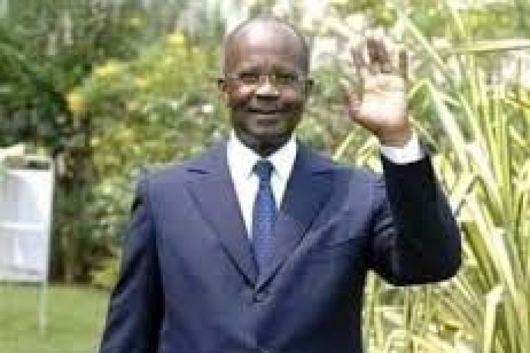 Gabon :  L'ex-Pm Casimir Oyé Mba inhumé samedi à Nzamaligue