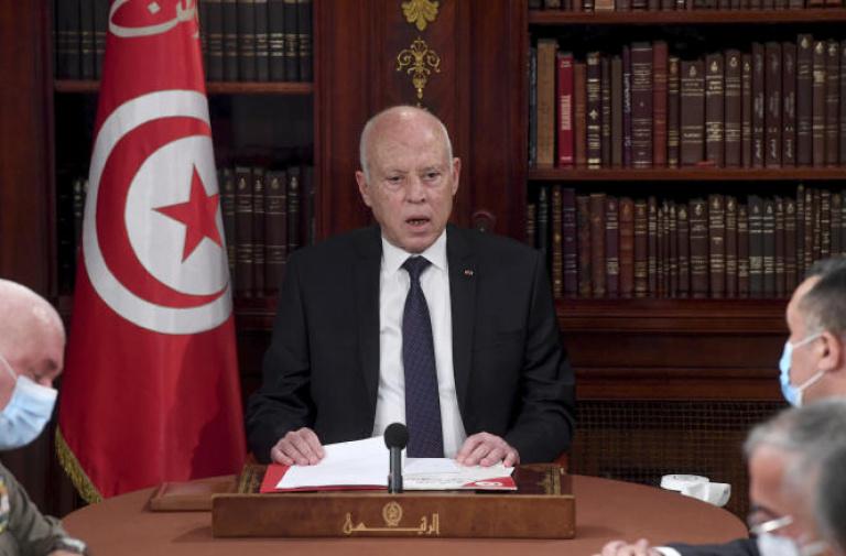 Kaïs Saïed annonce un gouvernement, mais conserve les pleins pouvoirs