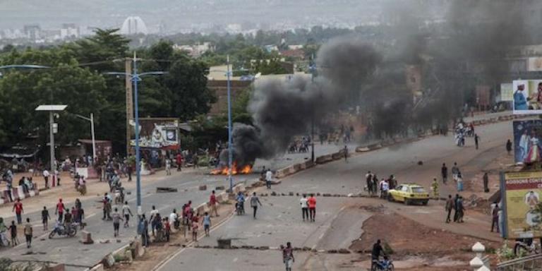 L'acte « condamnable » des policiers maliens qui irrite le gouvernement de Transition