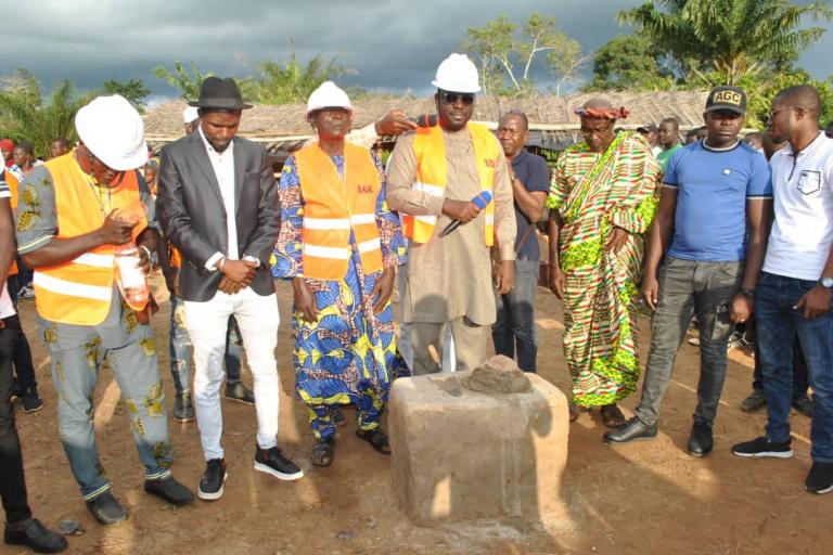 Ali Konaté, président de LRD-Nouvelles Energies, lance les travaux de construction de l'Epp Amadou Gon Coulibaly de Sakrakro