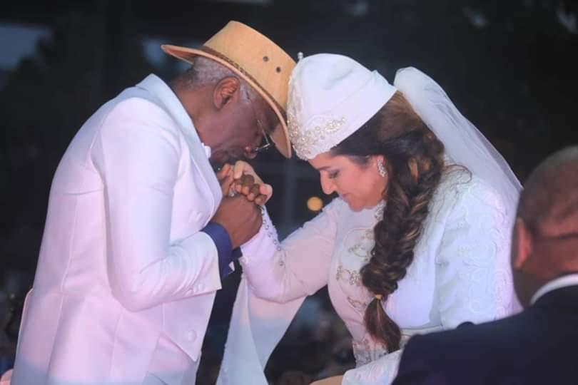 Après la coréenne, Aelyssa Darragi, la tunisienne, épouse Alpha Blondy